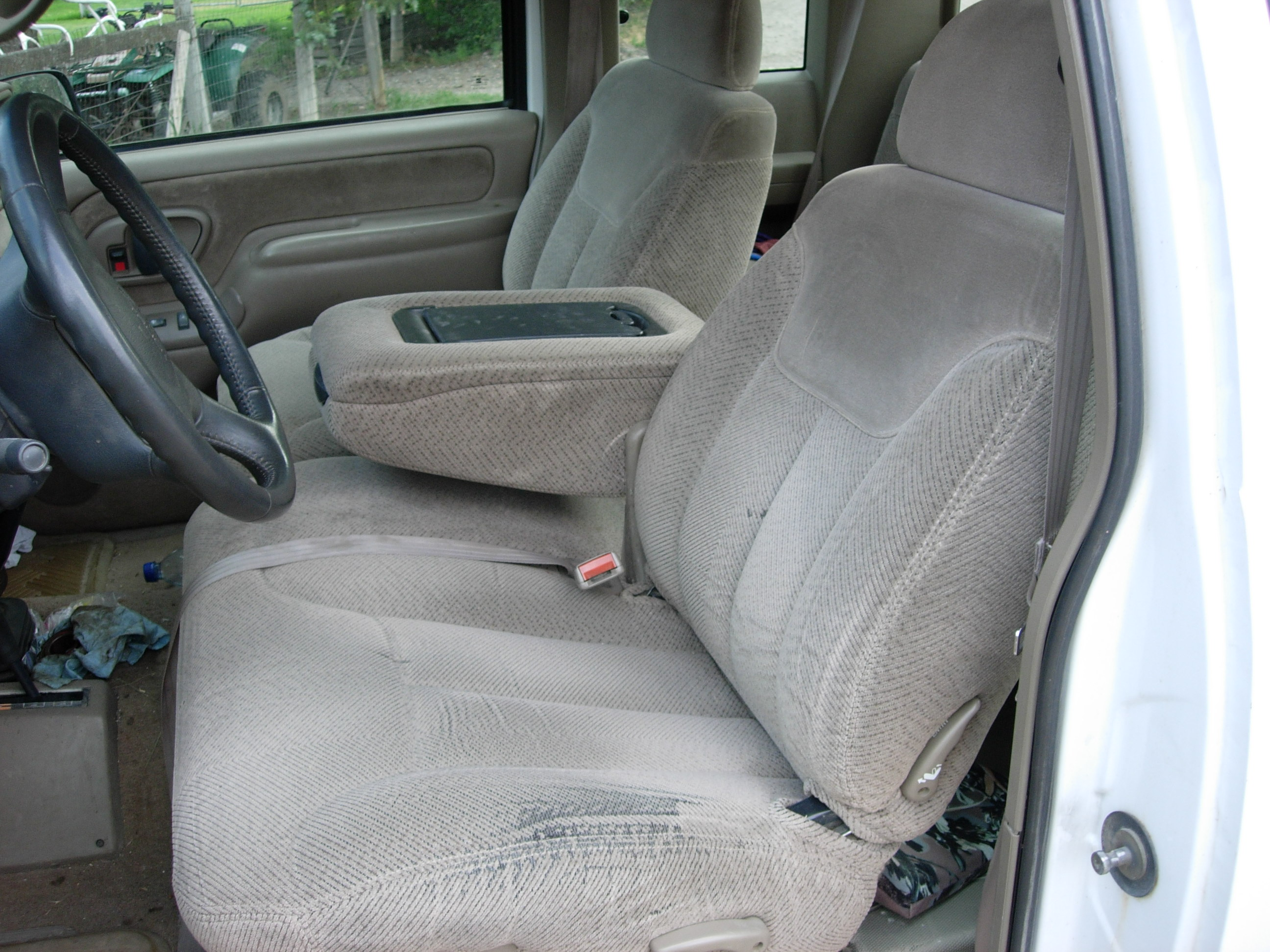 1995 1999 Chevy Suburban 60 40 With Opening Console Seat