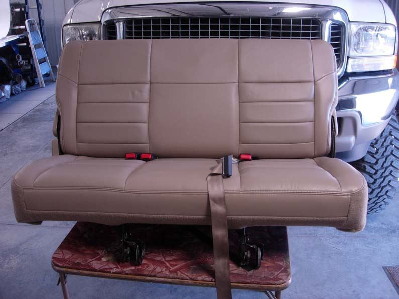 2000 2006 Ford Excursion 3rd Row Bench Headwaters Seat