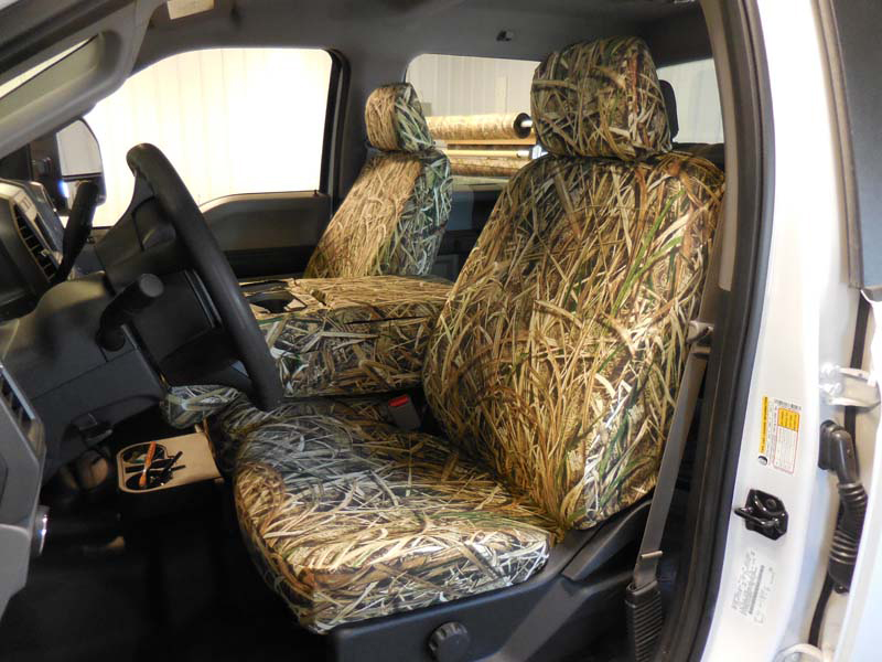 2017 F-250-550 Console down with 10- Shadowgrass Blades™ custom seat covers